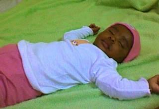 une raison pour laquelle bébé ne fait pas ses nuits